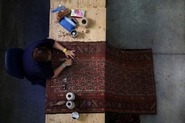 Испания спаси 296-годишна фабрика за ръчно тъкани пана от банкрут